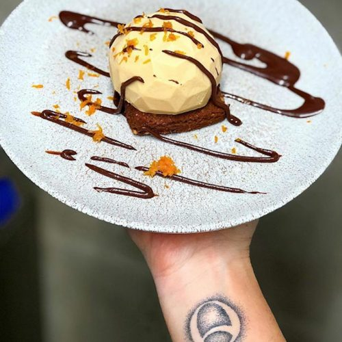 Vegan ice cream with chocolate sauce, top 10 vegan restaurants in Nice