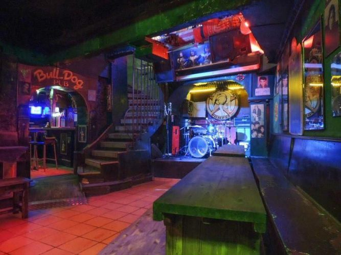 Bulldog Pub Pompei, great bars and clubs in Nice, France