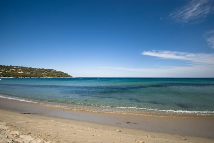saint tropez Strand türkisfarbenes Wasser weißer Sand